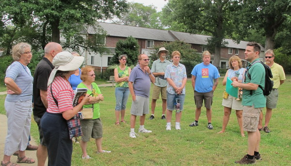 Steve Oetken  leads Walking Tour of Old Greenbelt