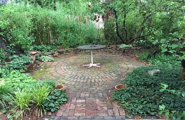 garden of Diane and Don Volk in Old Greenbelt
