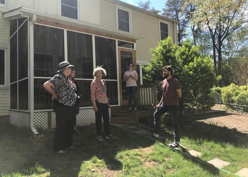 Volunteer garden consultants in Greenbelt Homes