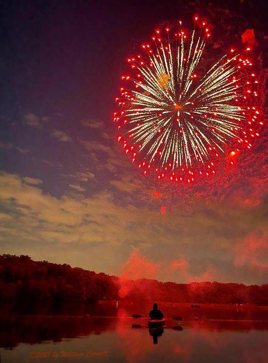 Greenbelt Fireworks 2021 by Bill Cornett from Kayak